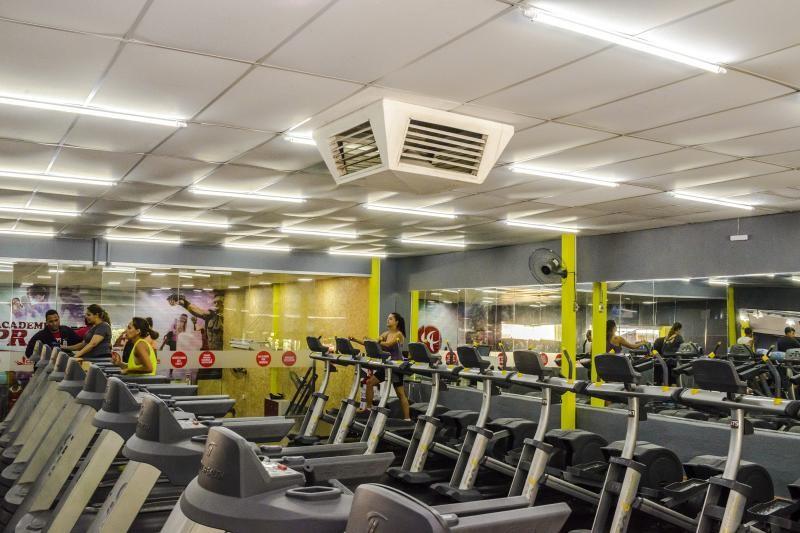 Climatizador evaporativo para academia